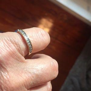 Jewelry - 11 Diamonds